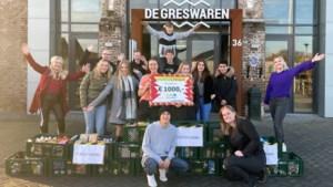 Grescollege geeft 1000 euro aan de voedselbank