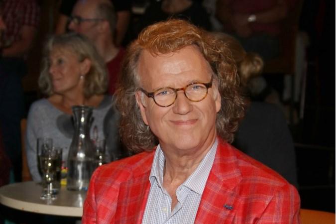 Roddels uit de showbizzwereld: Rieus jacuzzi in Hotel Derlon en wat de vriend van Sonja Bakker doet als hij te veel gedronken heeft