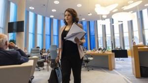 Is Fanida Kadra 'toe aan iets nieuws' of moet het PvdA-raadslid in Weert onvrijwillig het veld ruimen?