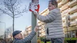 Arno Rademakers (72) en Bert Boon (75) fleuren Marktstraat in Hoensbroek op met kerstdecoraties