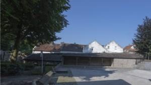 Overkapping bij De Hofferkeukens in Thorn snel gebouwd na dreiging met boete