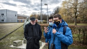 Dj's Sven en Gino van Koraal Media lopen in Landgraaf de Lifeline voor goededoelenactie van 3FM