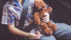 10-jarige rijdt rond in auto in Rotterdam