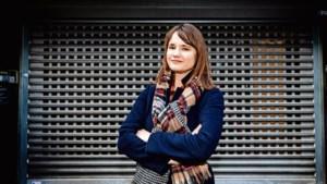 'Bondgirl' Linda vecht voor waardig werk in de winkelstraat
