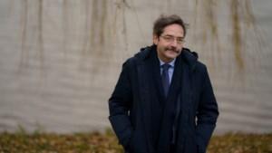 Theo Bovens ligt wakker van het beeld dat van Limburg wordt neergezet en het redelijke midden dat er het zwijgen toe doet<BR />