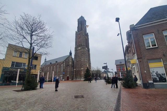 Bijzonder nieuwjaarsconcert in Weert: vanuit de Sint Martinuskerk klinkt 'een positief geluid' vanaf een veilige afstand