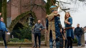 Prinsen en prinsessen maken feel good lied om carnavalist een hart onder de riem te steken
