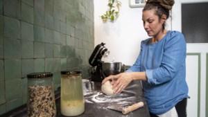 Bon Appétit: Céline uit Venlo gebruikt al drie jaar lang dezelfde desem voor haar zelfgebakken brood
