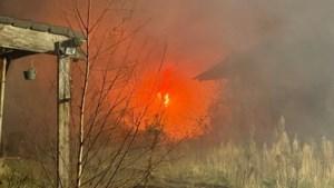 Asbest vrijgekomen bij brand in stal van leegstaande boerderij in Horn