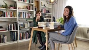 Rosa en Veerle uit Maastricht nemen je in hun podcast mee op ontdekkingstocht naar livestreams, online concerten en selfieschaamte