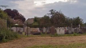 Vrouw eist dat parochie 'vreemde man' uit haar moeders graf op het kerkhof in Nieuwenhagen haalt