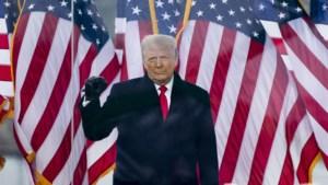 Facebook schorst account van Trump voor onbepaalde tijd