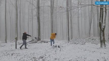 Video: Eindelijk sneeuw in hoogste delen van Limburg