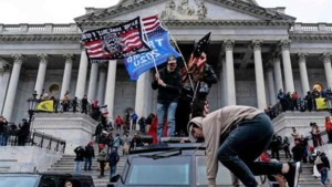 Reconstructie van 'de opstand die is aangejaagd door de president van de Verenigde Staten'