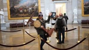 Man die lessenaar Pelosi meenam na bestorming Capitool opgepakt