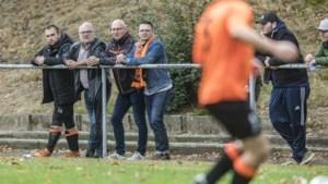 Oud-prof Dave Zafarin pakt de draad weer op en wordt trainer van VV Hellas