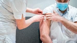 Inmiddels 31.000 medewerkers acute zorg zijn gevaccineerd