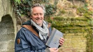 Timothy van der Zee schreef het jeugdboek Pella - En het avontuur met het magische fossiel