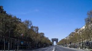 Champs Élysées krijgt nieuw jasje