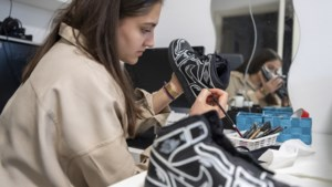 Saba pimpt sneakers: 'Toen ik mensen met mijn ontwerpen zag lopen, dacht ik: wauw!'