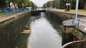 Kapotte sluis Nederweert zorgt voor stremming scheepvaartverkeer