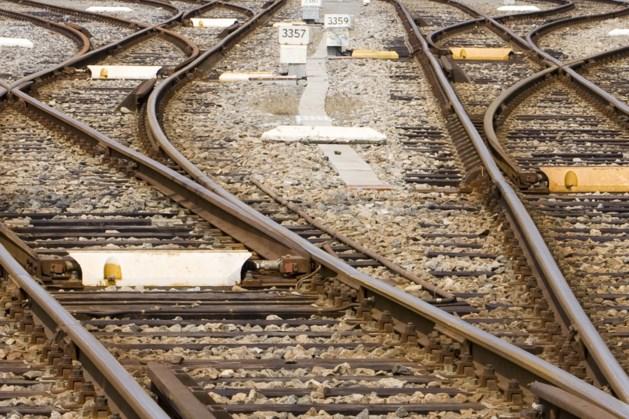Werkzaamheden aan spoorwegovergang bij Oirlo