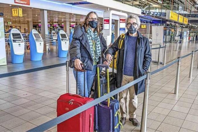 Deze Nederlanders maken noodzakelijke reis naar Engeland: 'We worden als melaatsen behandeld'