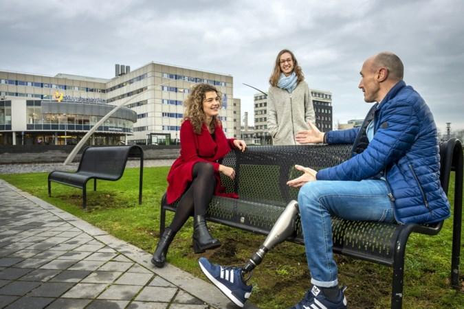 Dante en Eva laten studenten luisteren naar ervaringen van echte patiënten