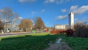 Wonen Limburg wil 24 woningen bouwen op bijna twintig jaar braakliggend terrein waar Heerlens politiebureau stond
