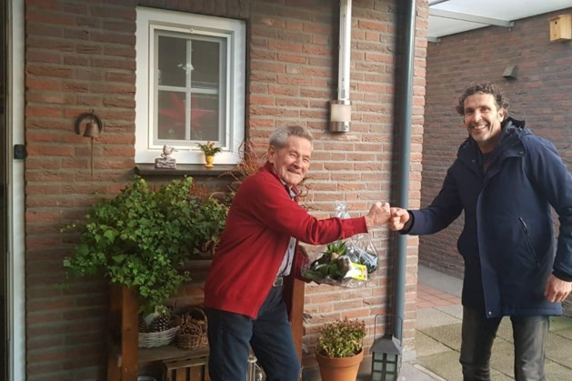 Jubilaris Jan Vossen van RKSVO in het zonnetje gezet