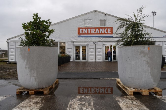 Ook in Limburg belanden eerste vaccinaties in 'verkeerde' armen
