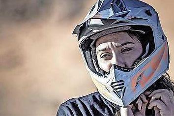 Sluier af, helm op: Saoedische vrouwen willen deelnemen aan Dakar Rally