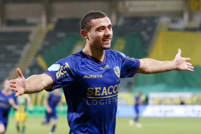 Alle ballen op VVV's Griekse godenzoon Giakoumakis : 'Hopen dat Stan Valckx hem nog in Venlo kan houden'