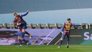 FC Barcelona in finale na knotsgekke avond Frenkie de Jong