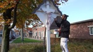 Wegkruis op de hoek van de Heerenweg en Roebroekweg in Heksenberg opgeknapt