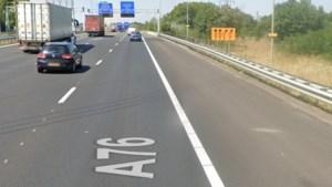 Vrouw (35) uit Oekraïne met steekwonden aangetroffen op A76 bij Geleen