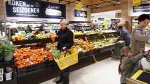 Supermarktbranche wil dat personeel in distributiecentra en in winkels ontheffing van de avondklok krijgt