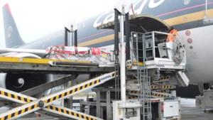 Eerste vlucht met Pfizer-vaccins vanaf Maastricht Aachen Airport naar Jordanië