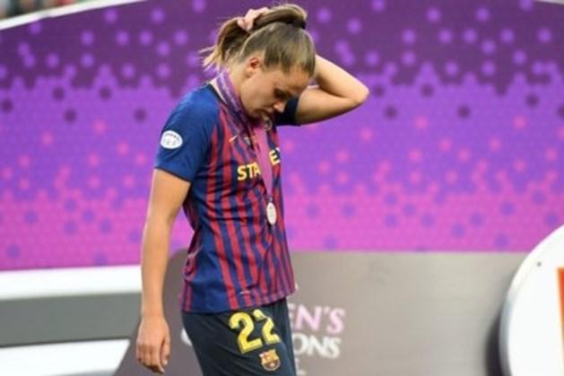 Geblesseerde Martens ziet Barcelona zevenklapper verzorgen