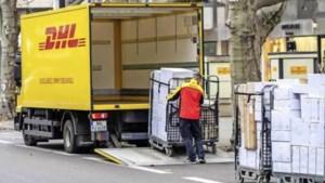 DHL opent pakketpunten in HEMA-filialen