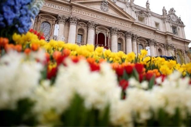 Weer geen bloemen uit Posterholt bij paaszegen paus door coronavirus