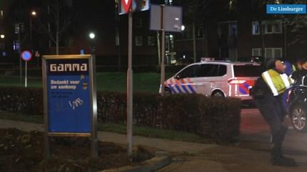 Video: Politie stuurt auto's weg bij McDonald's