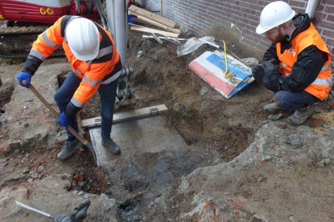 Bijzondere leistenen vloer geborgen bij opgravingen in Roermondse binnenstad