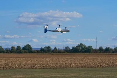 Onbemande vliegmachientjes pendelen met medicijnen over de grens