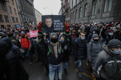 Rusland slaat protesten tegen president Vladimir Poetin neer