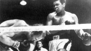 Rudi Lubbers, de man die overeind bleef tegen Muhammad Ali, is nu bondsridder: 'Hij was pure reclame voor onze bokssport'