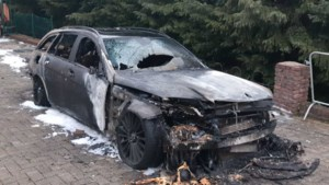 Ook autobrand in Rothem: is hier sprake van verband met branden elders in de regio?