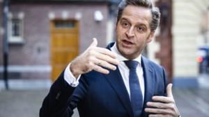 Minister De Jonge: vaccinatietempo omlaag door minder leveranties