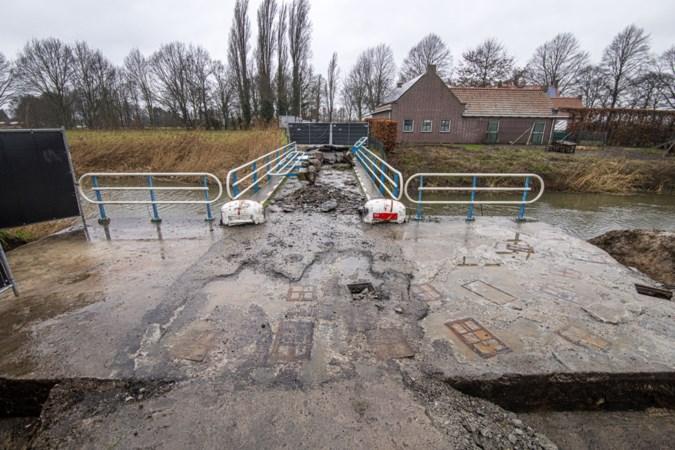 Werk aan brug over Noordervaart blijft nog zeker twee weken stilliggen