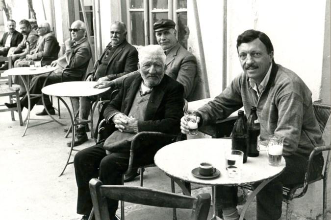 Griekse familie tegen boek, uitgever afgehaakt: biografie coach Gène Gerards al vijf jaar op de plank